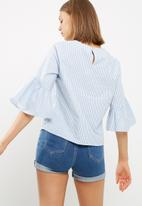 dailyfriday - Trumpet sleeve shell top
