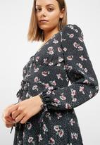 New Look - Floral print lattice maxi dress