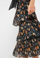 New Look - 3 tier pleated midi skirt