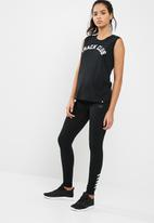 New Balance  - WT73511 essentials tank