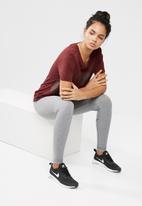 Nike - Glasier tee