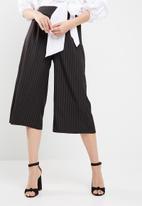 Missguided - Pinstripe culottes