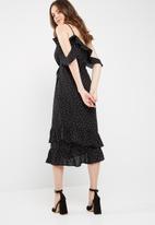 Missguided - Chiffon polka dot frill detail midi dress
