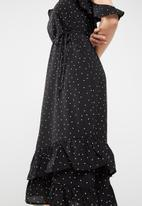 Missguided - Chiffon polka dot frill detail midi dress
