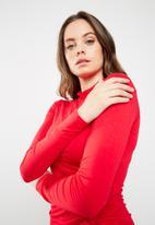 Missguided - Long sleeve high neck mini dress