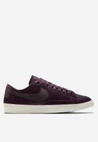 Nike - Blazer Low