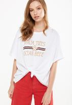 Cotton On - Tbar knot front graphic tee