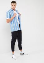basicthread - Regular fit stripe shirt