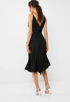 dailyfriday - Hanky hem midi wrap dress