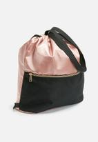 dailyfriday - Drawstring backpack with rose gold zip
