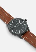 basicthread - Bryan stitch detail leather watch