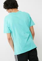 basicthread - Drop shoulder tee