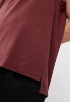 basicthread - Cut sleeve graphic tank
