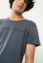 Sergeant Pepper - Heritage logo tee