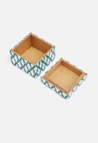 Sixth Floor - Daysi box
