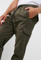 basicthread - Cuffed slim utility jogger