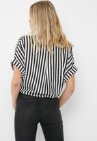 dailyfriday - Drop shoulder shirt