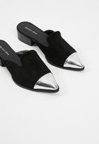 dailyfriday - Metallic toe cape mule