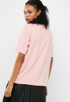 Missguided - Barbie x Missguided short sleeve 'city' tee