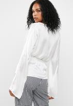 Missguided - Satin chiffon drape blouse
