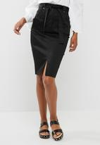 dailyfriday - Pencil skirt with belt