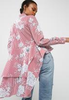 dailyfriday - Dip hem shirt