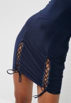 Missguided - Slinky bardot lace up hem mini dress