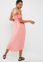 Cotton On - Woven mazie off the shoulder shirred hi low maxi dress