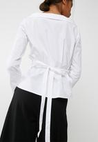 dailyfriday - Poplin wrap shirt with tie belt