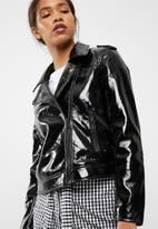 Pieces - Kim vinyl biker jacket