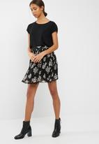Vero Moda - Flirty pleated skirt