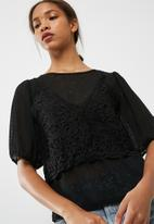 Vero Moda - Novo lace top