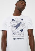 New Balance  - Core sneaker tee