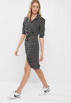 dailyfriday - Knot shirt dress