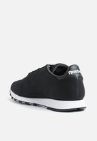30c53b3910b Reebok CL Leather ULTK-CM9876 - Black White Reebok Classic Sneakers ...