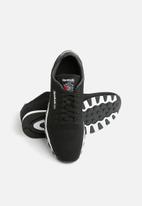 ec170b28c4361 Reebok CL Leather ULTK-CM9876 - Black White Reebok Classic Sneakers ...