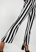 Missguided - Monochrome stripe trousers