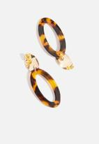 dailyfriday - Tortoise shell and gold drop