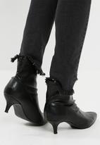 Footwork - Alix