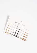 dailyfriday - 25pk multi crystal round studs