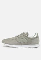 New Balance  - WL220GS