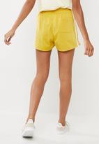 adidas Originals - 3 stripes shorts