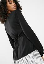 dailyfriday - Wrap blouse with cold shoulder