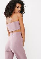 Missguided - Carli Bybel x Missguided slinky bandeau top