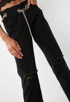 Missguided - Wrath chain belted straight leg jeans