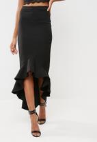 Missguided - Fluted hem pencil skirt