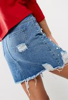 Missguided - Pearl embellished denim skirt with silver chain