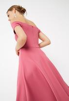 dailyfriday - Off the shoulder dip hem midi dress