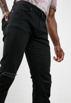 basicthread - Skinny knee slice