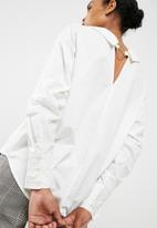 Vero Moda - Cherry ring shirt